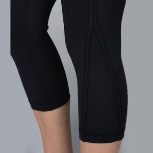 lululemon athletica Pants - Lululemon Up The Pace Crop Black Size 6